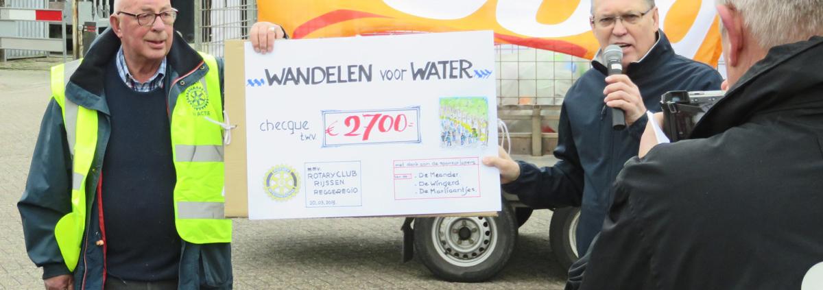 Leerlingen-duurzaam hellendoorn lopen-voor-schoon-water-08